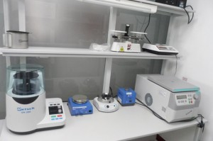 Equipment for the processing of samples